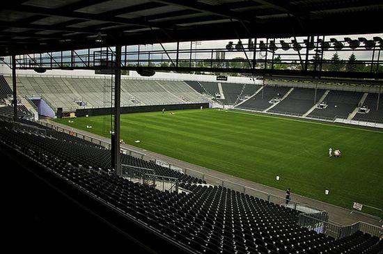 Teren stadiona od 22.000 recikliranih guma