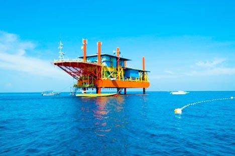 Naftna platforma pretvorena u hotel za ronioce