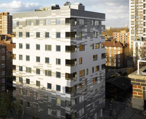 Zgradu od devet spratova podiglo četiri radnika za devet nedelja