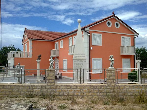 Arhitektonski hit u Crljeniku