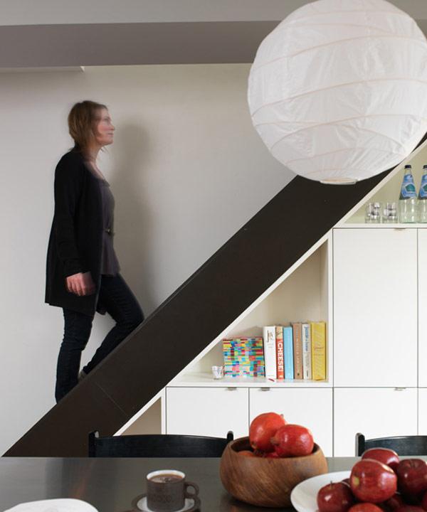 storage-space-stairs-30