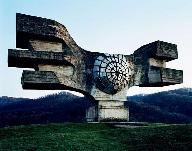 25 napuštenih spomenika iz Jugoslavije