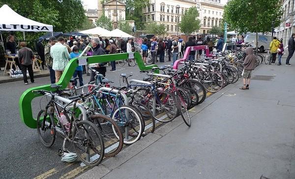 Parkirajte 10 bicikala umesto jednog automobila