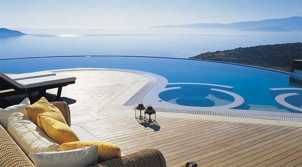 Pogledajte najlepše infinity bazene koji plene poglede
