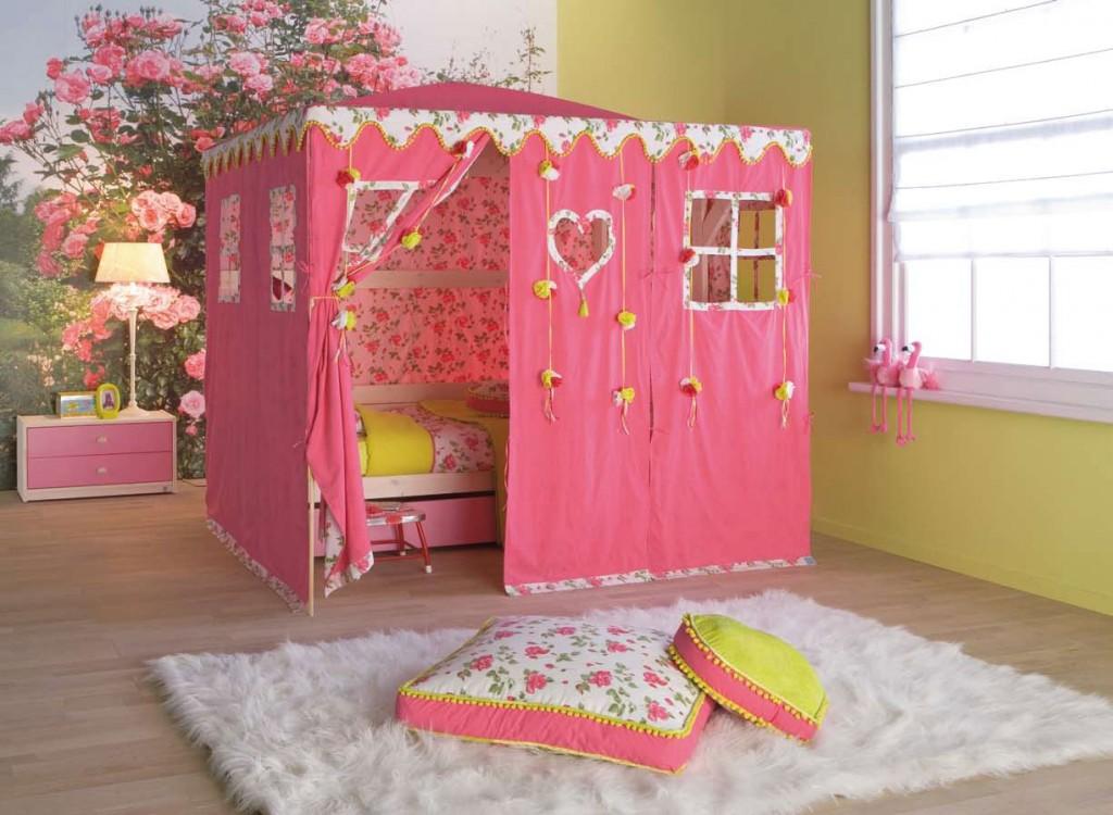Dečiji krevet kao zamak