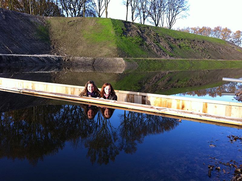 'Nevidljivi' most premošćuje vodeni kanal u Holandiji