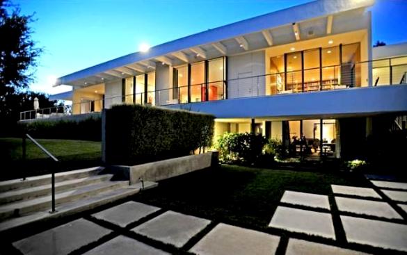 Kuće poznatih: Jennifer Aniston kupila kuću u Bel Airu