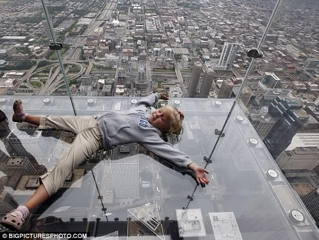 Stakleni balkoni na 103. spratu u Čikagu