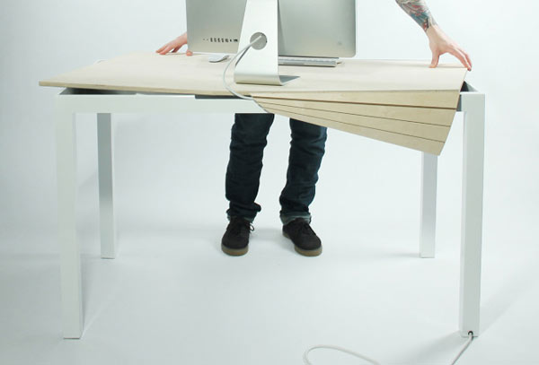 Kompjuterski sto koji sakriva kablove