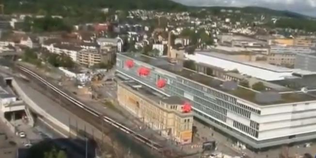 Švajcarci pomerili šinama zgradu staru 122 godine
