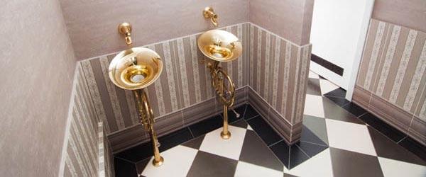 Tromboni u kupatilu temišvarskog kluba služe kao umivaonik