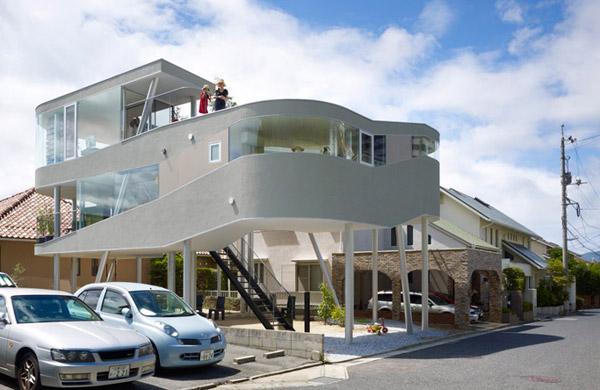 Japanska kuća podignuta na stubove