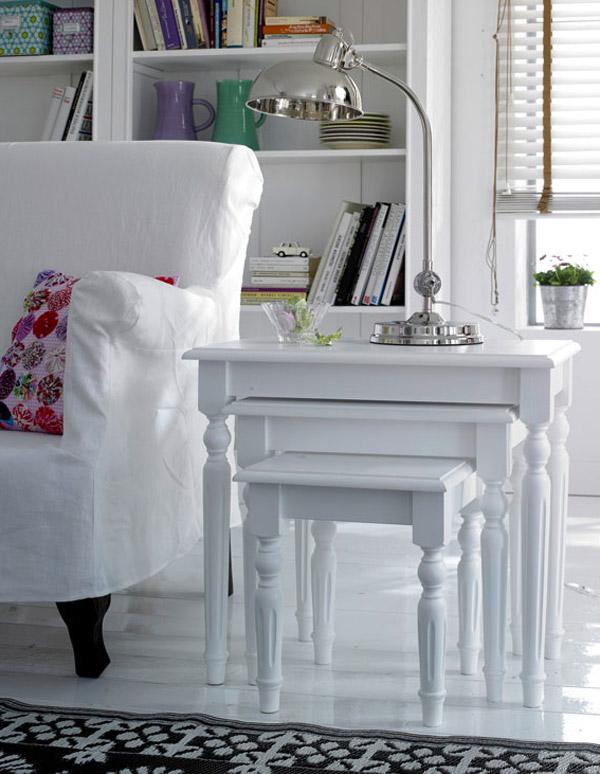 Neoromantični stolići i natkasne
