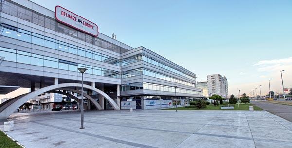 Novi poslovni objekat u Beogradu sa parking mestima za bicikle, tuševima i restoranima
