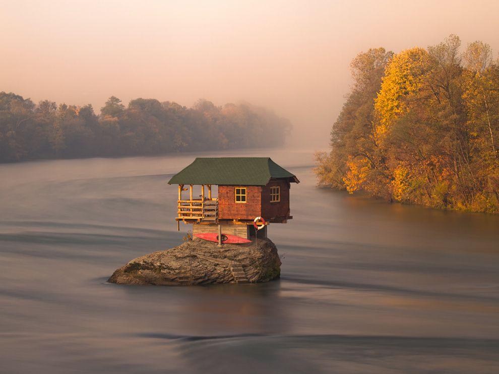 Fotografija dana: Rečna kuća na Drini kod Bajine Bašte