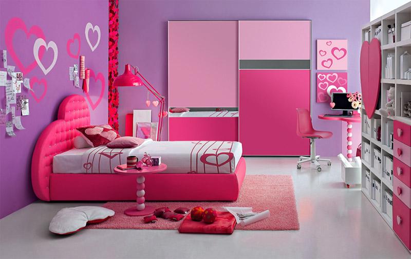 Roze i plava dečija soba