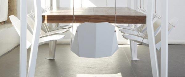 Trpezarijski sto sa ljuljaškama