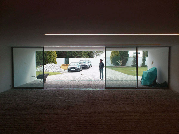 Fancy-Garage-Glass-Door-Design-Ideas