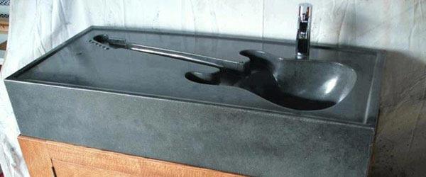 Betonska sudopera u obliku gitare