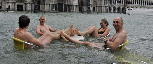 Poplavljena Venecija: Najviši nivo vode u poslednjih 150 godina
