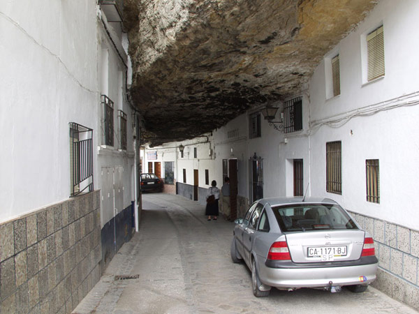 setenil-city-under-rock-2