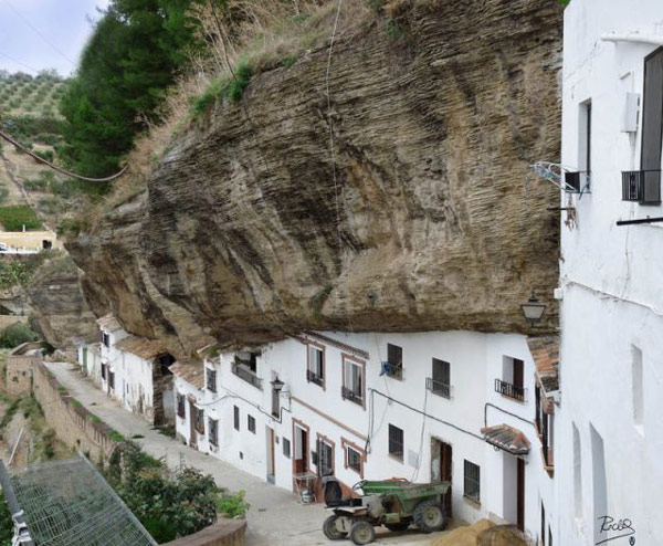 setenil-city-under-rock-6