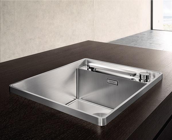 imm-BLANCOATTIKA-Retractable-Faucet