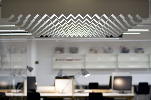 nova-iskra-design-incubator-in-belgrade-studio-petokraka_nova_iskra_park_lamp_-photo_by_relja_ivani--528x352
