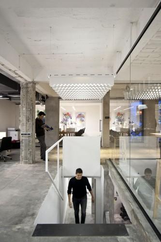 nova-iskra-design-incubator-in-belgrade-studio-petokraka_nova_iskra_park_lamp__stairs-333x500