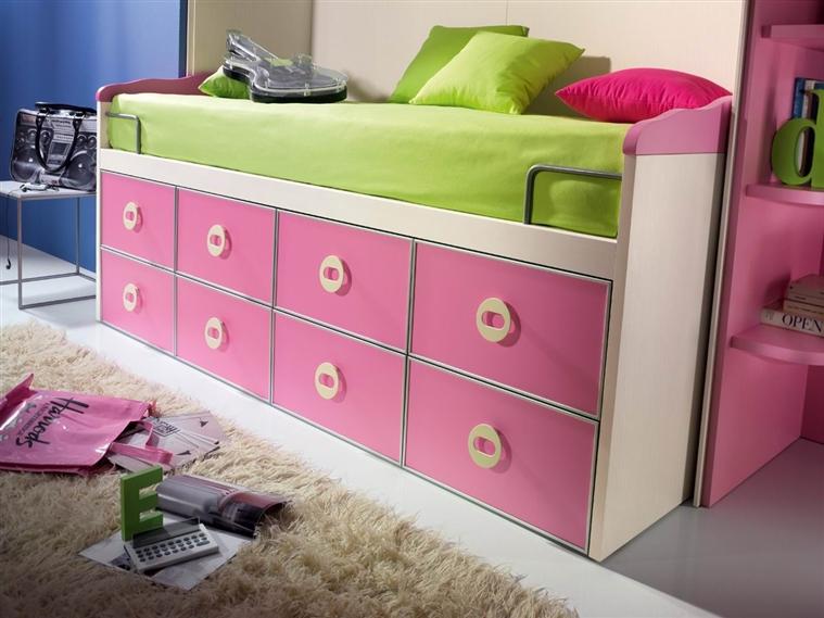 decija-soba-roza-krevet