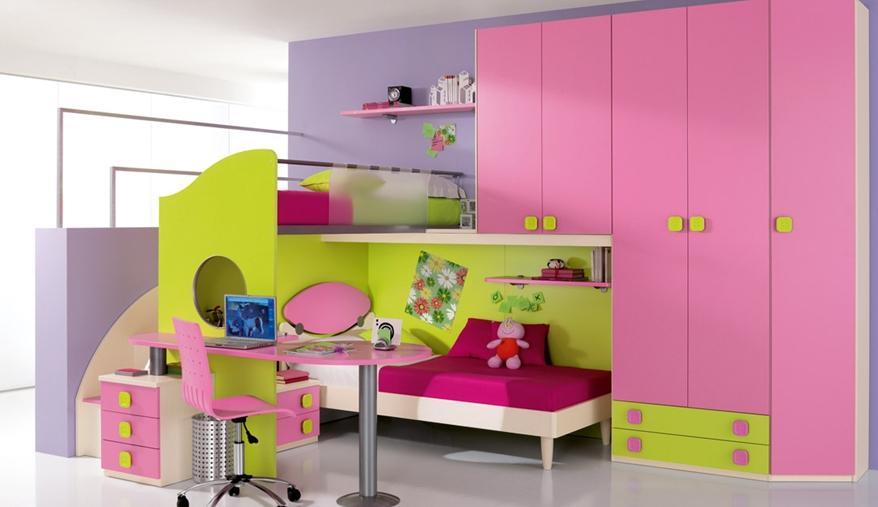 decija-soba-roza-radni-i-krevet