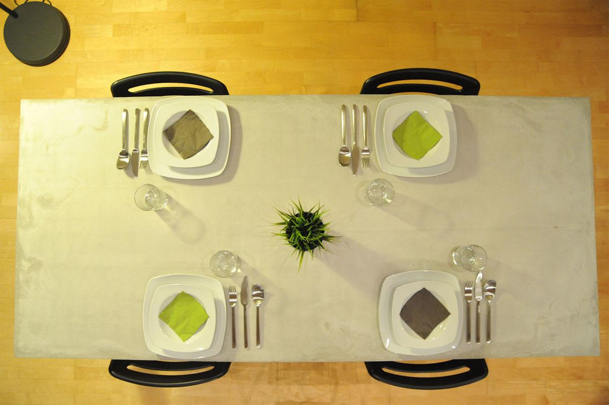 eat1-betonesstisch
