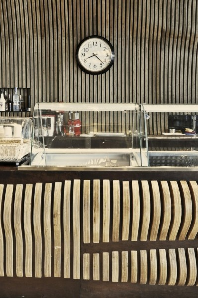 Innarch-Don-Cafe-House-8-681x1024
