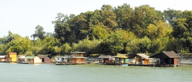Kuća na vodi u Beogradu za 15.000 evra