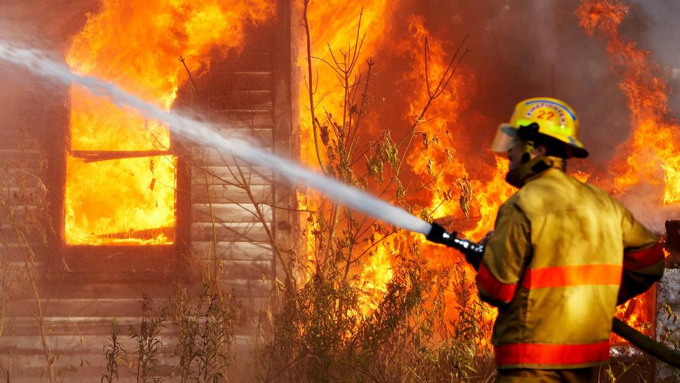 Vatra vreba: Savremeni materijali povećali rizik od požara?