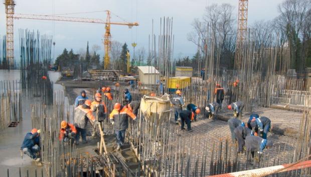 """Stigla """"pomoć"""" građevincima: Dupli porez za firme koje rade u inostranstvu"""