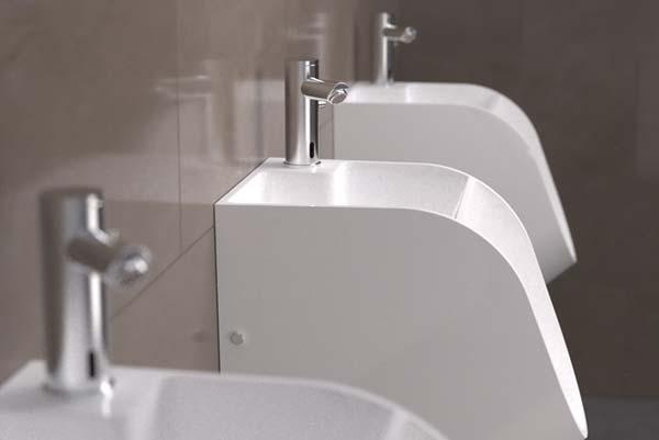 Pranje ruku u pisoaru? Sada je i to moguće!