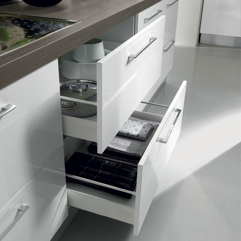 bela-kuhinja-ladice