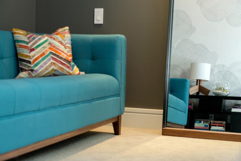 plava sofa