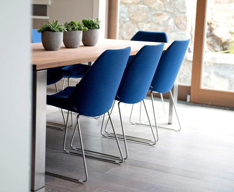 plave trpezarijske stolice