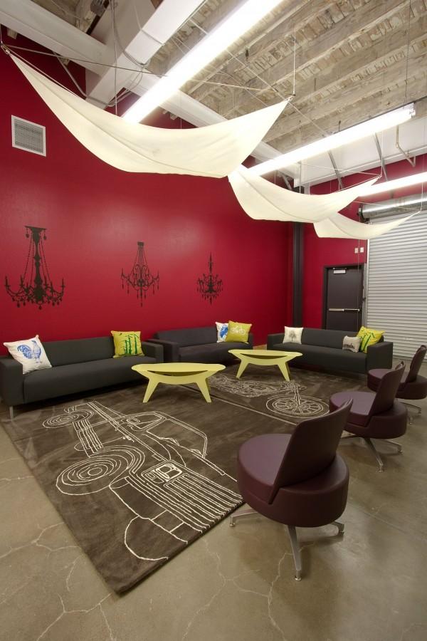 03 skype-hq-design-blitz_skype_garage_lounge
