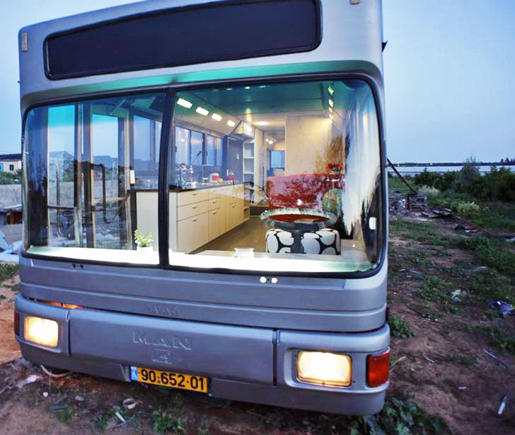 Autobus pretvoren u luksuzni stan