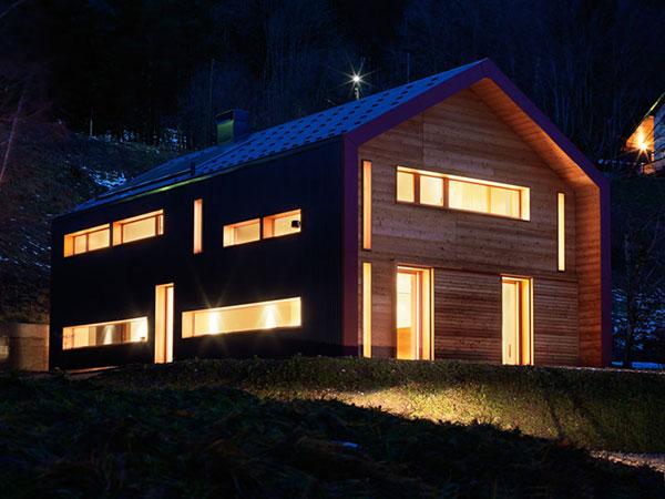 drvena-kuca-nocu