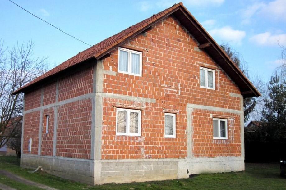 U Hrvatskoj kazna za kuće bez fasade do 450 evra mesečno