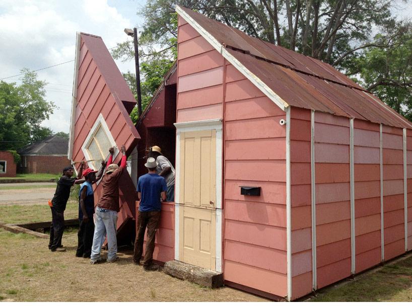 Kuća koja se transformiše u pozorište