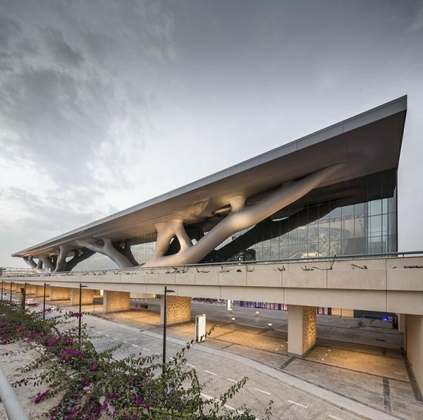 qatar-national-convention-centre-arata-isozaki_arata_isozaki_rhwl_qncc_doha_qatar_pan_060313_0012