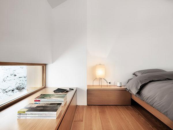spavaca-soba-drveni-krevet