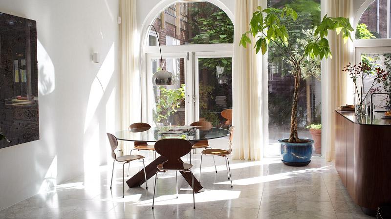 trpezarija kruzni sto