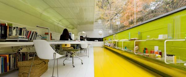 Kancelarija u šumi: Radni prostor u providnom tunelu