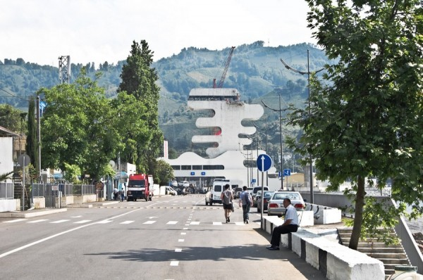 architecture-Sarpi-Border-Checkpoint-in-Georgia